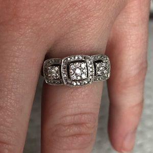 Helzberg diamond ring sz 7